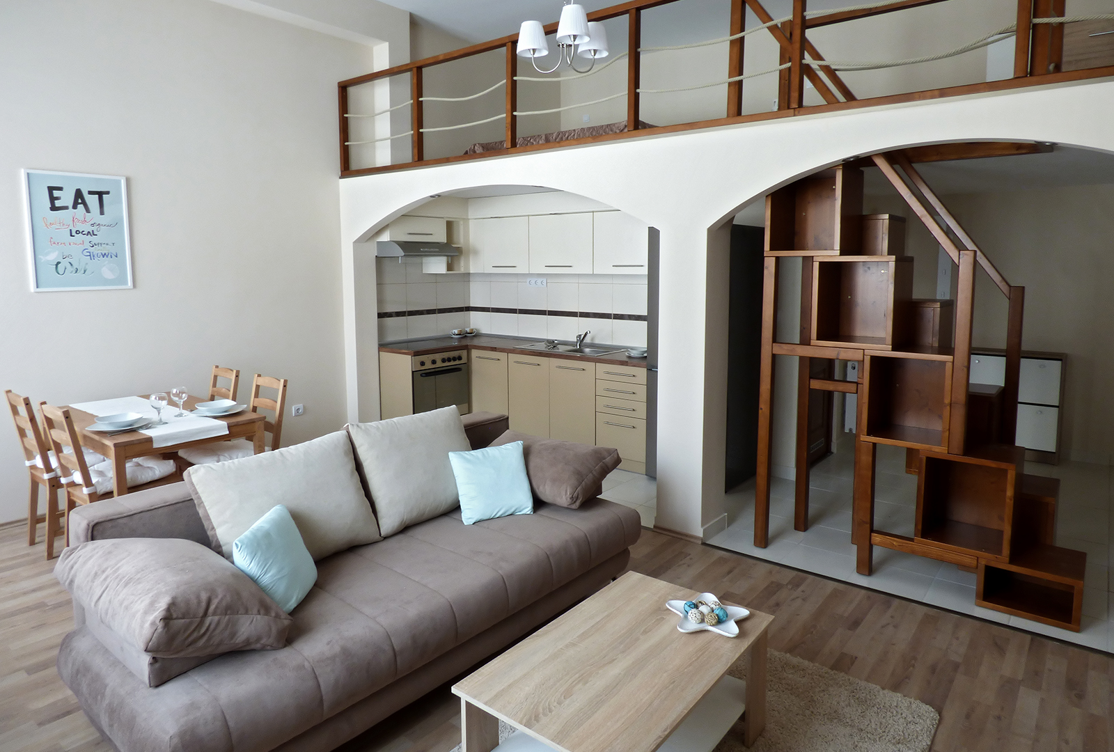 Nagy Lajos király úti ingatlan, 39 m² + 17 m² galéria – Lakás