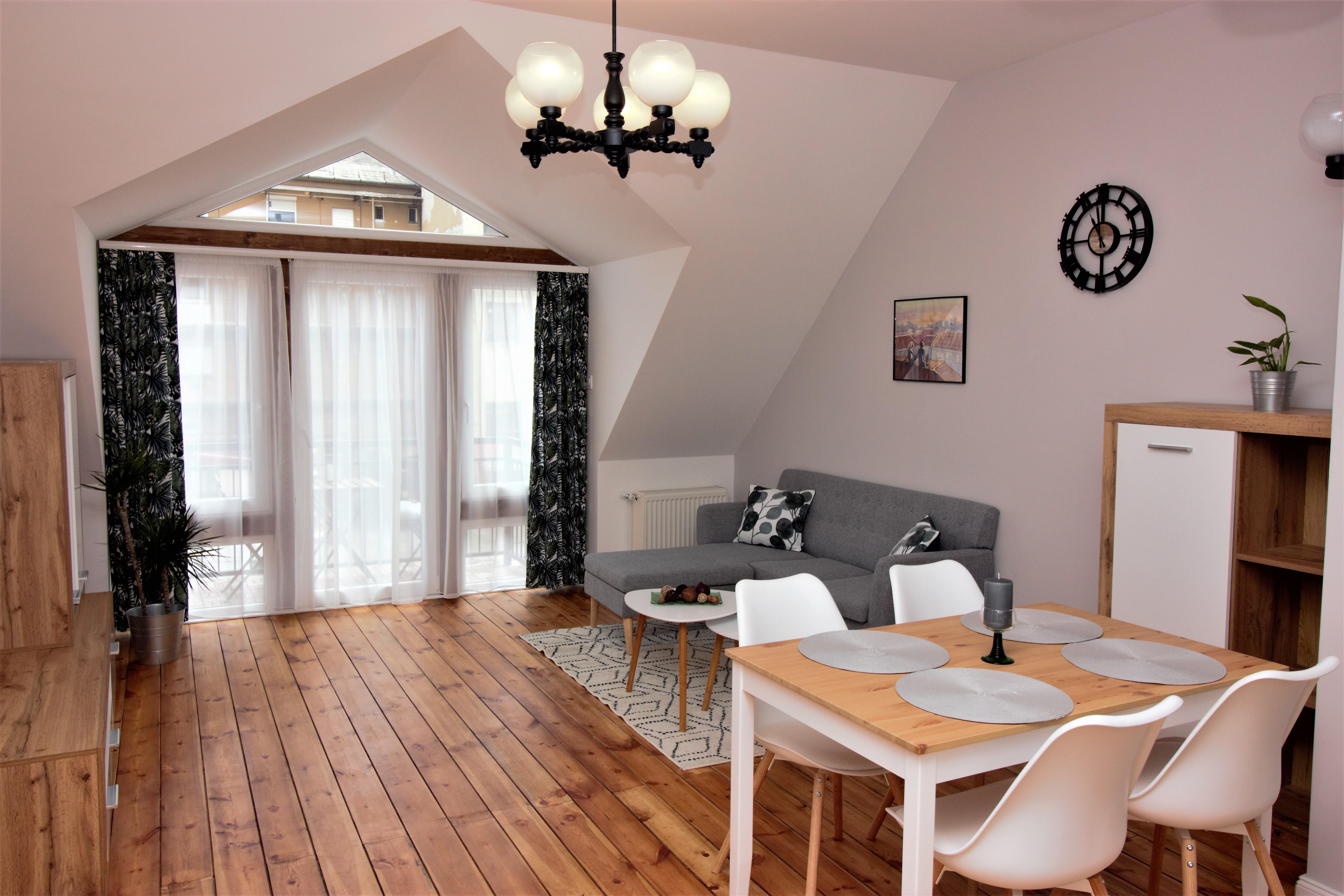 Nagy Lajos király úti ingatlan, 74 m² + 5 m² +2 m² terasz – Lakás